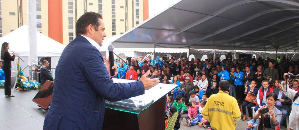 109 viviendas gratis Urb Arborizadora-Manzana 65 y Candelaria La Nueva II etapa. Firma contrato 100 viviendas gratis f. II