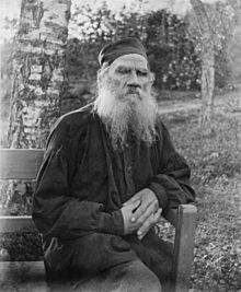 Leo_Tolstoy_1897,_black_and_white,_37767u